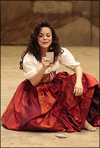 Nancy Herrera como Carmen en la Metropolitan Opera de Nueva York