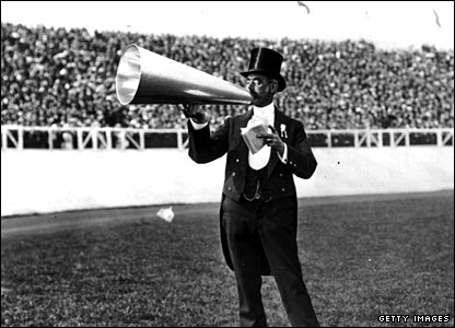 The City Toastmaster in action before a bumper crowd at the 1908 Olympics