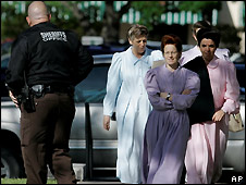 Members of the Fundamentalist Church of Jesus Christ of Latter Day Saints arrive at the San Angelo courthouse for the custody hearing -  18/4/2008