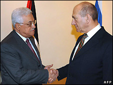 Mahmoud Abbas (left) and Ehud Olmert - 7/4/2008