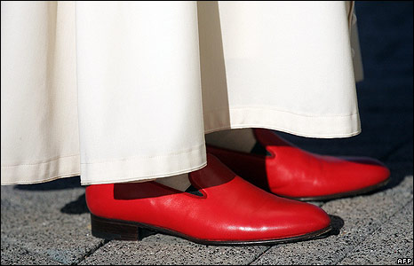 Poe's red shoes