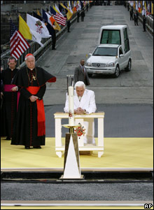 The Pope prays at the Ground Zero site, 20 April 2008