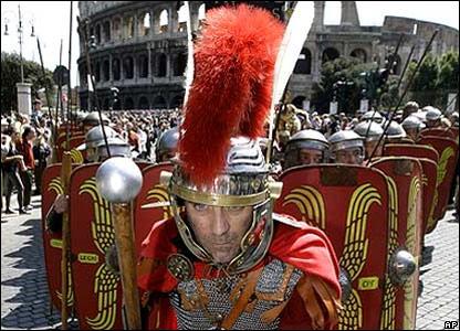 Воины у Колизея