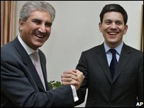 Pakistani Foreign Minister Shah Mahmood Qureshi  and UK Foreign Secretary David Miliband