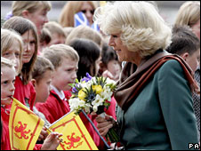 Camilla meeting school children