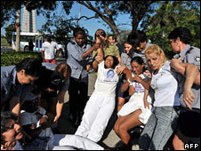 Police arrest members of the opposition movement Ladies in White in Havana, 21 April 2008
