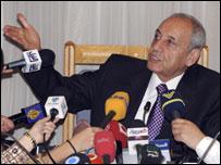 رئيس البرلمان اللبناني خلال مؤتمر صحافي (22/04/2008)