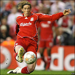 Torres goes close for Liverpool