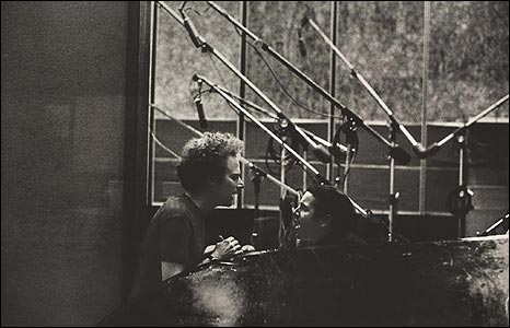 Simon and Garfunkel, CBS Studios, New York, 1966. Copyright: 1966 Paul McCartney. Photographer: Linda McCartney