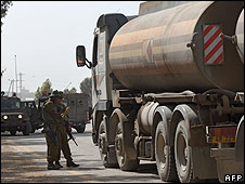 Israeli soldiers checking tankers carrying fuel for Gaza,  23 April 2008