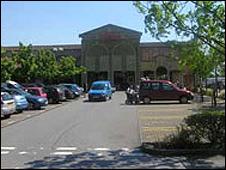 The existing Tesco at Bradley Stoke