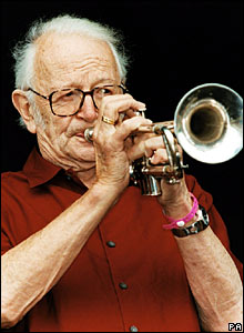 Humphrey Lyttelton performs on stage in Oxford in 2001