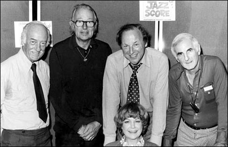 George Chisholm, Humphrey Lyttelton, Benny Green, Ronnie Scott and (front) Annie Ross in 1981