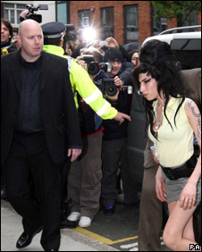 Amy Winehouse arrives at Holborn police station