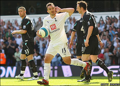 Steed Malbranque celebrates scoring for Spurs
