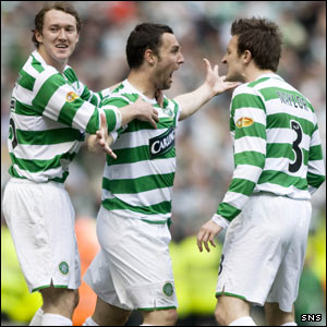Aiden McGeady and Jan Venegoor of Hesselink congratulate McDonald
