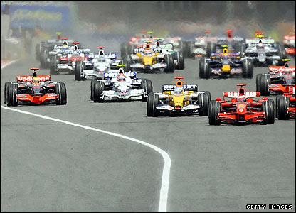 Kimi Raikkonen leads the grid away at the start of the race