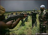 Пакистанские военные ведут подготовку правительственных войск