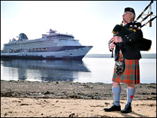 Celebrity Constellation and piper