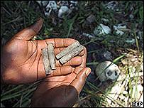 Municiones encontradas junto a cadáveres en Bogoro, Congo, 2007