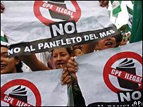 Manifestantes en Santa Cruz
