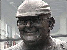 Fred Dibnah statue