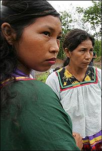 Ind�genas de la etnia Cofan en Sucumbios
