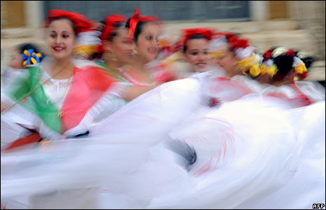 Mexican dancers in St Peter's Square