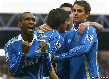 Jermain Defoe scores on his debut as Portsmouth draw 1-1 with Chelsea