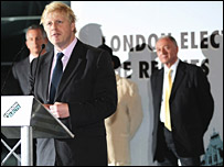 Boris Johnson pronuncia su discurso al saberse victorioso en las elecciones por la alcaldía de Londres