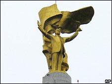Gilded statue of late Turkmenistan President Saparmurat Niyazov