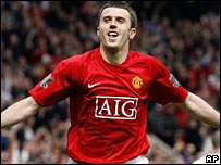 Michael Carrick scores the Man utd winner