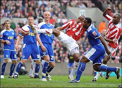 Stoke go close again