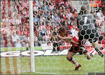 Saganowski equalises for Southampton