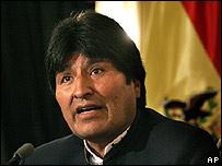 Evo Morales en rueda de prensa el 4 de mayo