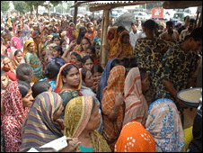 Food queue in Dhaka, Bangladesh
