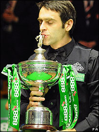 Ronnie O'Sullivan celebrates his win