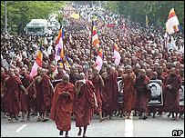 Protesta de monjes budistas en septiembre de 2007