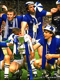Kevin Ratcliffe (top right) celebrates Everton's 1984 FA Cup final win with Peter Reid, Neville Southall and Graham Sharpe