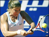 Dinara Safina hits a backhand on her way to victory over Serena Williams