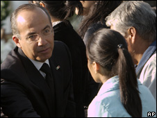 President Felipe Calderon talks to family members of officers recently killed in Mexico City (9/5/08)