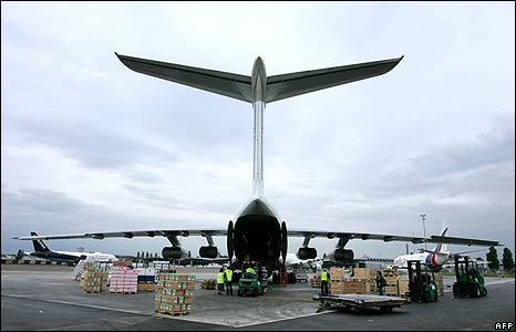 An Il-76 transport plane is loaded with French relief at Merignac airport, near Bordeaux , on 9 May