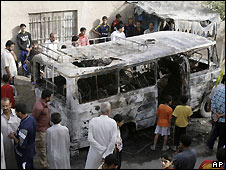 Bus in Sadr City hit in US airstrike - 10/5/2008