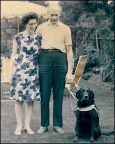Hans Cohn with his wife Stefi and guide dog