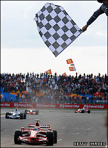 Massa takes the chequered flag