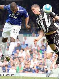 Yakubu heads Everton into the lead against Newcastle
