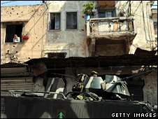Lebanese troops patrol through the streets of Tripoli (11 May 2008)