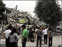 Un edificio derrumbado en Dujiangyan