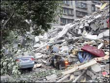Building destroyed in China earthquake