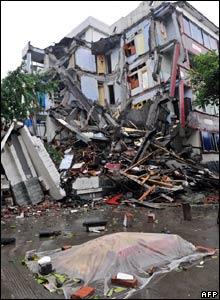 Victim in Dujiangyan, Sichuan